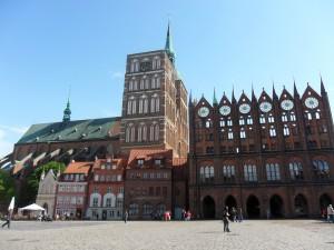 Alter Markt mit St. Nikolai und Rathaus