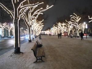 Unter den Linden mit Licht von Vattenfall