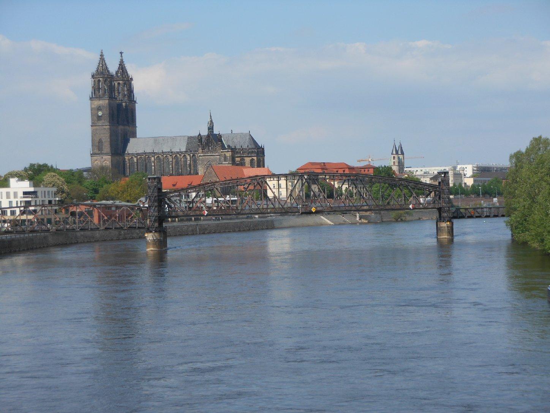 Eisenbahn-Hubbrücke