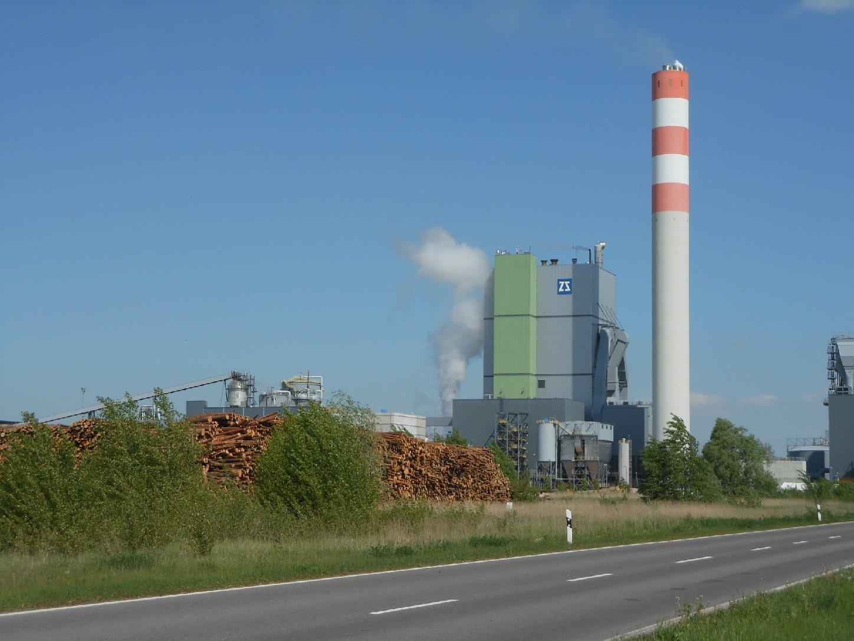 Zellstoffwerk im Industriepark