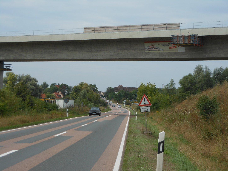 Bahnbrücke bei Halle