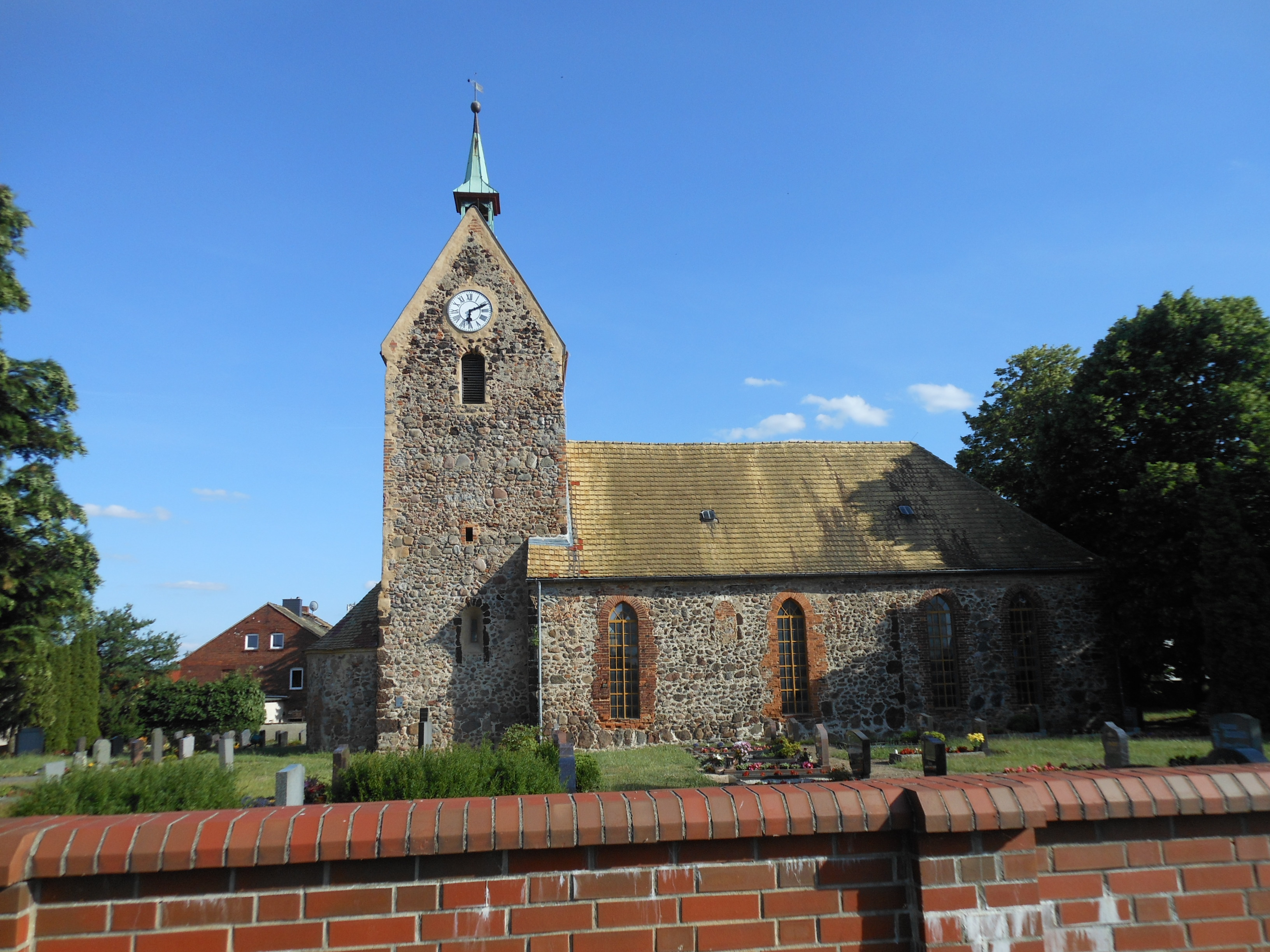 Ev. Pfarrkirche Authausen